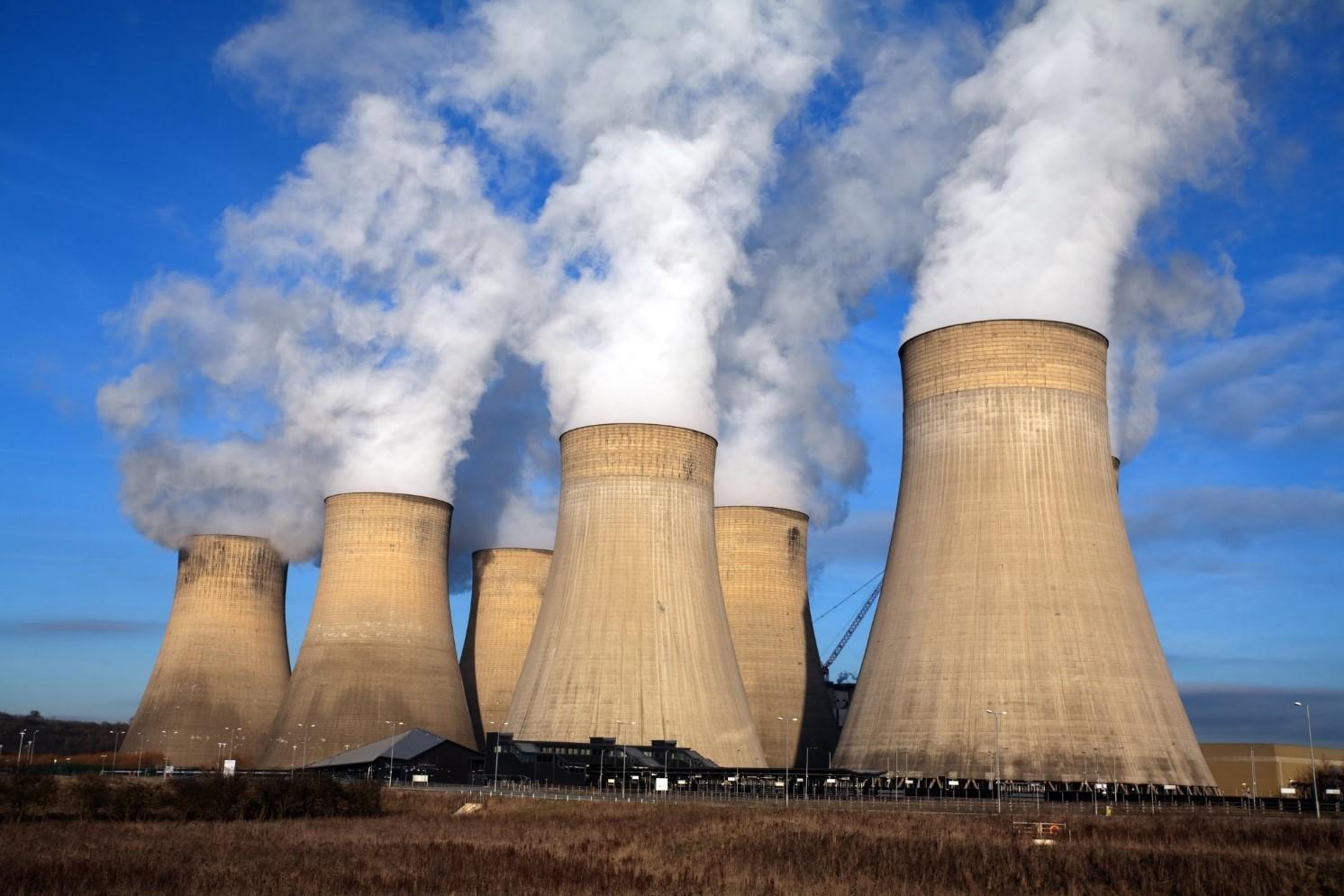 首个宣布全面弃核的国家出现!中国也下决心开发新能源,各国跟进