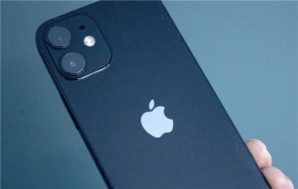 安卓阵营泪目!二季度苹果占智能机市场75%利润